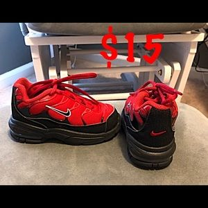 Toddler boys size 6 Nike